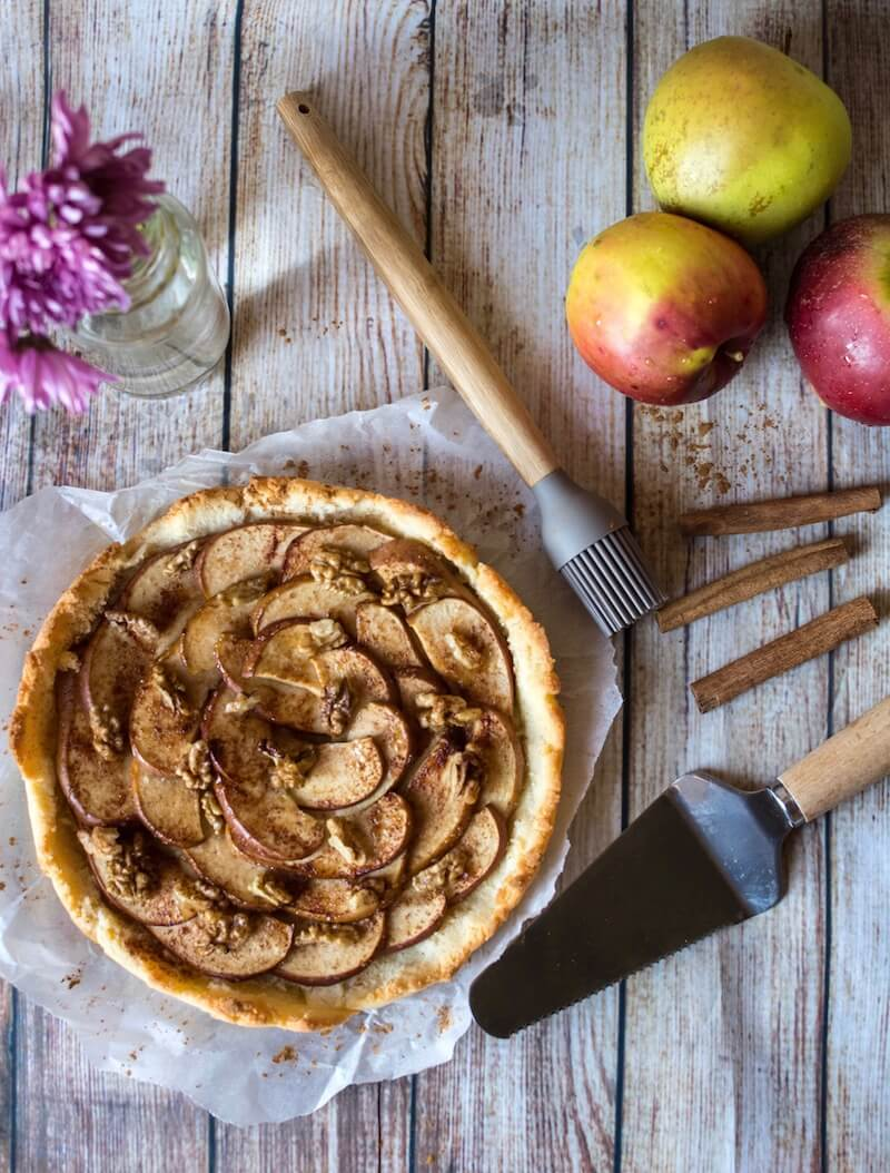 Paleo Apple Tart with Walnuts
