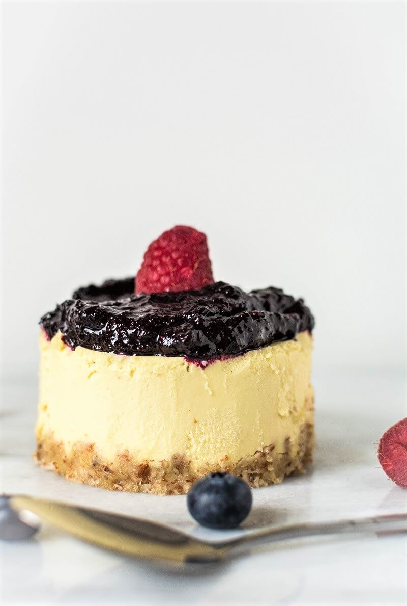 Healthy Mini Berry Cheesecakes (Paleo & Vegan) 2