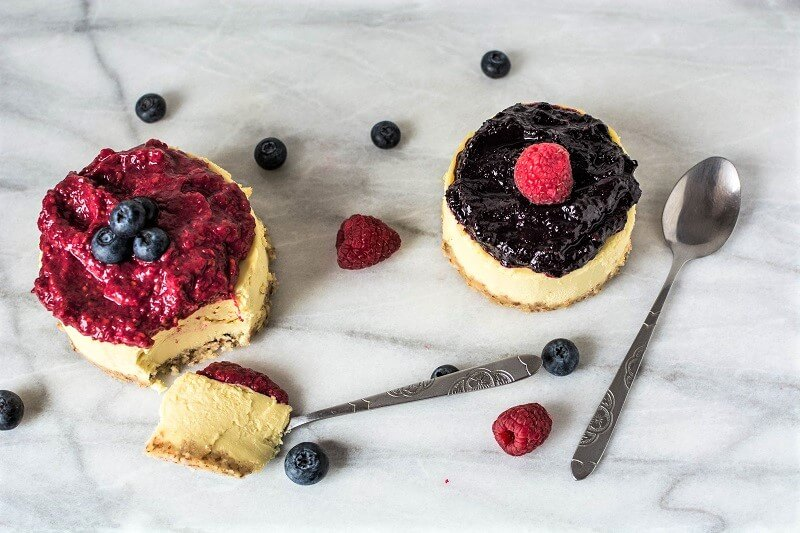 Healthy Mini Berry Cheesecakes (Paleo & Vegan) 6