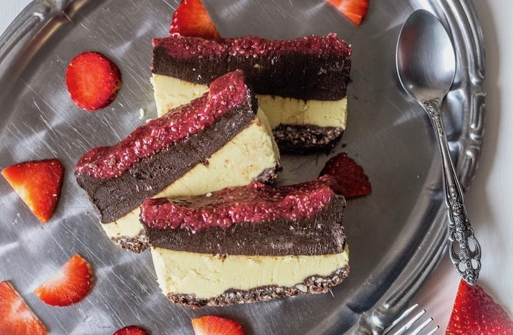Chocolate & Strawberry Layered No Bake Cake (Paleo & Vegan)